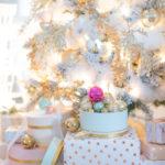 Фото новогодней елки 2019 года - декор в белом и золотом цвете