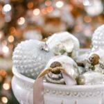 Цвета 2019 года в новогоднем интерьере - фото декора в золотом и серебряном цветах