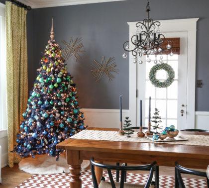 Новогодняя елка 2019 в синих и золотых тонах