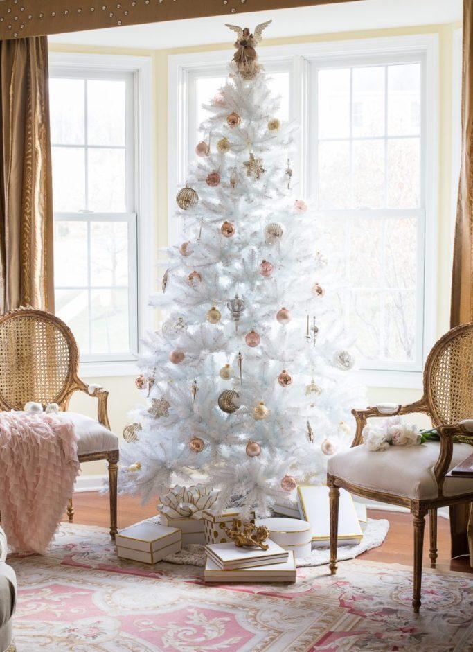 Белая елка в новый год