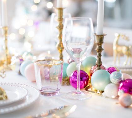Оформление новогоднего стола - фото 2019 года в золотых тонах