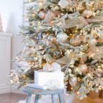 Серебряно-золотая елка — фото дизайна 2019 года