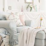 Стиль Прованс в интерьере гостиной — фото красивого весеннего дизайна