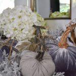 Идеи осеннего декора комнаты — фото интерьеров в светлых тонах