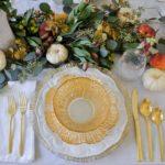 Осеннее оформление праздничного стола — фото сервировки в золотых тонах