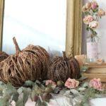 Плетеная тыква из лозы — идея в стиле кантри для осеннего интерьера