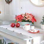 Красивая новогодняя кухня в стиле кантри: 14 фото